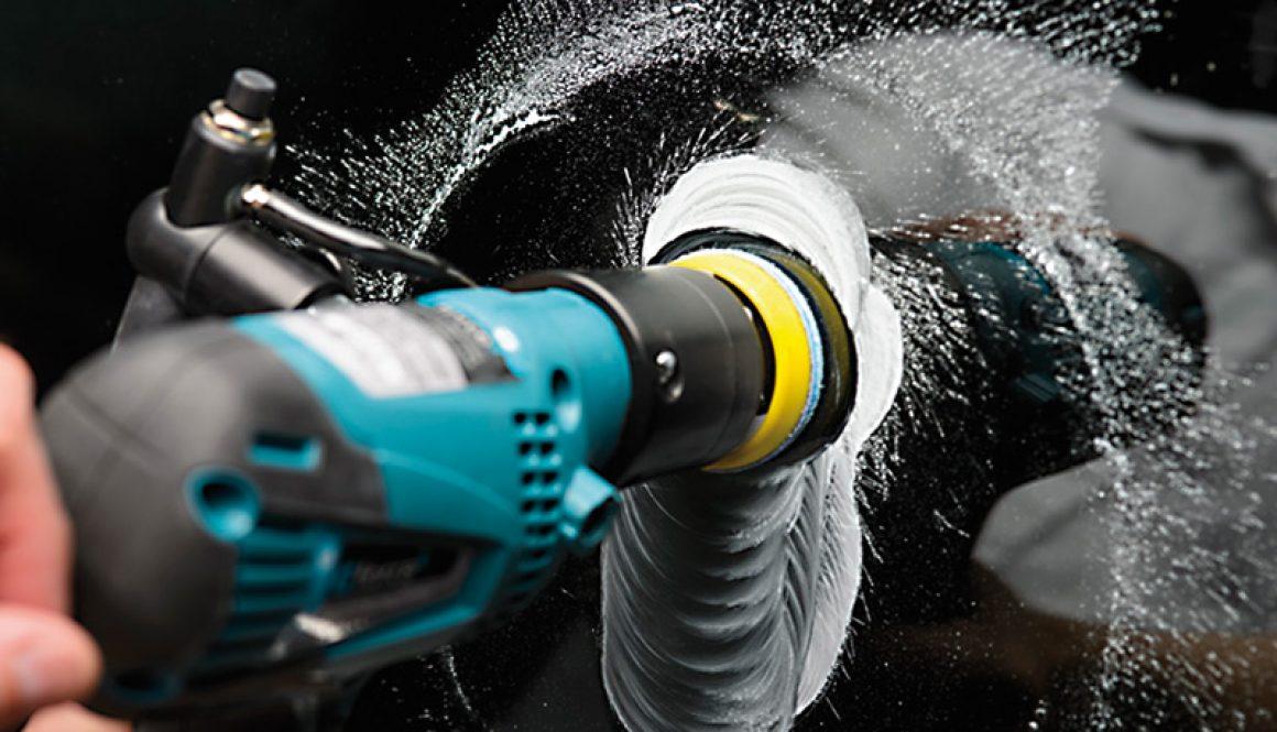 Manque un programme régulier d'entretien et de nettoyage des cristaux navals